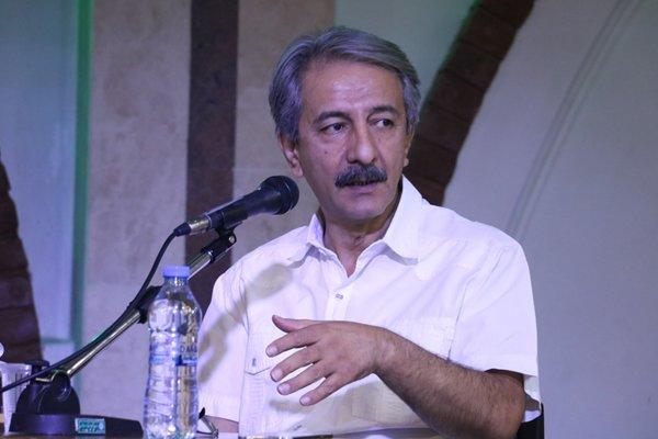 ترجمه محبوب زندگی جزیرهای مجازی است/بیاعتمادی به تالیف ایرانی